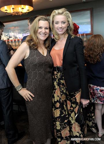 """May 14th, 2011 - Belvedere vodka And Krista Smith pain grillé Vanity Fair's June 2011 """"Vanities"""""""