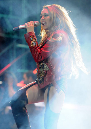 Miley - Gypsy jantung Tour (2011) - On Stage - Sao Paulo, Brazil - 14th May 2011