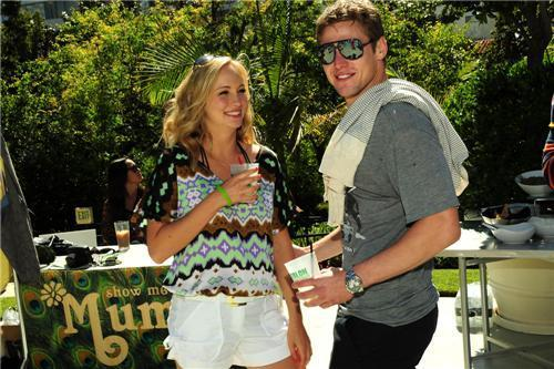 más fotos from Candice's Birthday Celebration with Turn The Corner & Armani Exchange! [15/05/11]