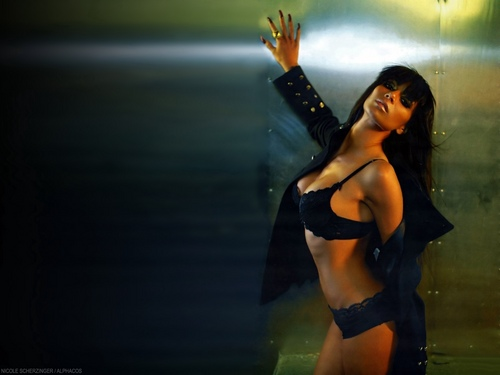 Nicole Scherzinger wallpaper containing a bikini titled Nicole