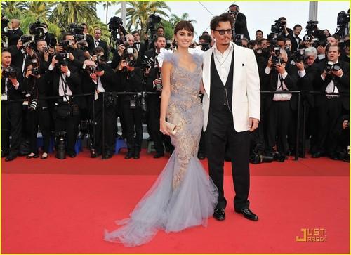 Penelope Cruz & Johnny Depp Premiere 'Pirates' in Cannes