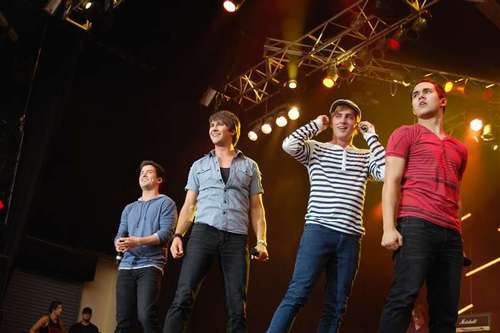 Performing at Universal Orlando (May, 14th 2011)