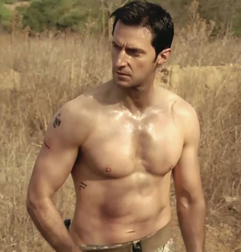 Richard Armitage پیپر وال containing a six pack called Richard