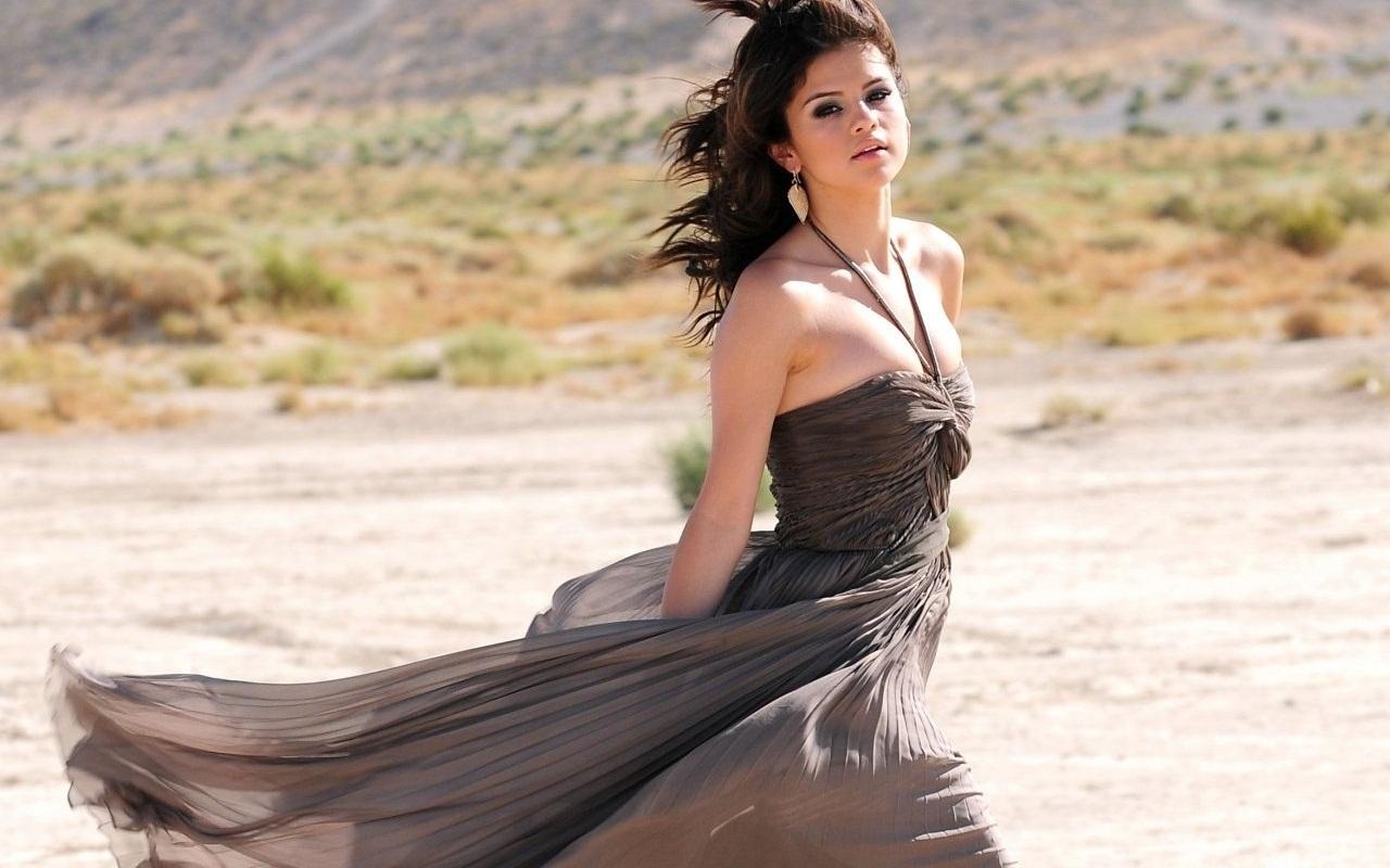Selena Wallpaper ❤ - selena-gomez wallpaper