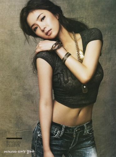 Shin Se Kyung wallpaper probably containing attractiveness titled Shin Se Kyung For Arena