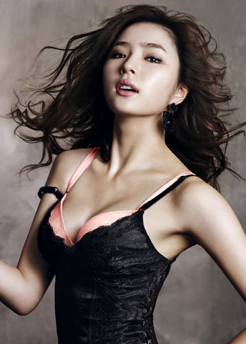 Shin Se Kyung wallpaper probably with a bustier, attractiveness, and a cocktail dress entitled Shin Se Kyung For Vivien lingerie