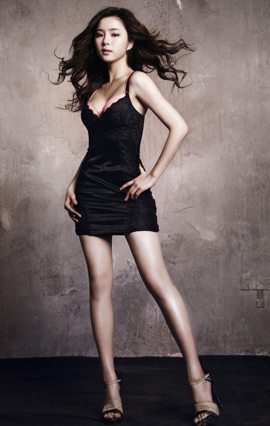 Shin Se Kyung For Vivien lingerie