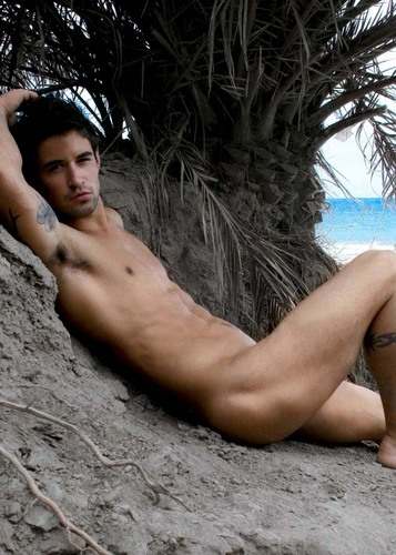 Shirtlessness | Ben Godfre
