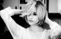 short hair - dianna-agron photo