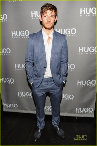 Alex Pettyfer: Hugo Boss Hottie!