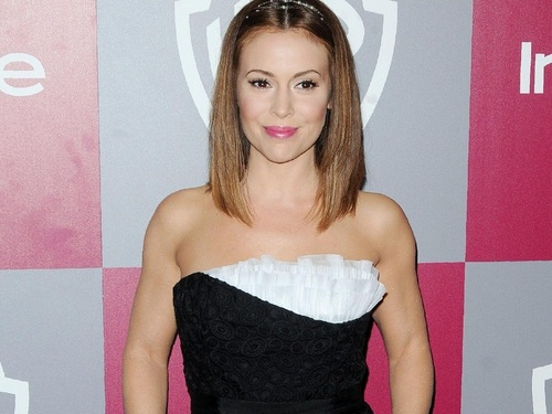 アリッサ・ミラノ 壁紙 possibly containing a カクテル dress, a ディナー dress, and a strapless called Alyssa Milano 壁紙