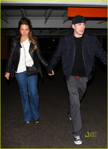 Chris Evans: Holding Hands with Mystery Girl!