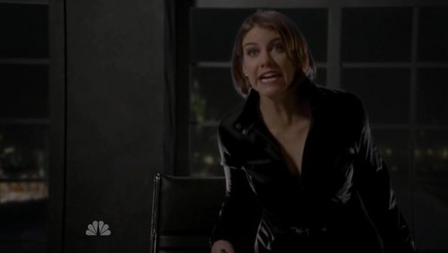 Chuck - 4x24 - lauren-cohan Screencap
