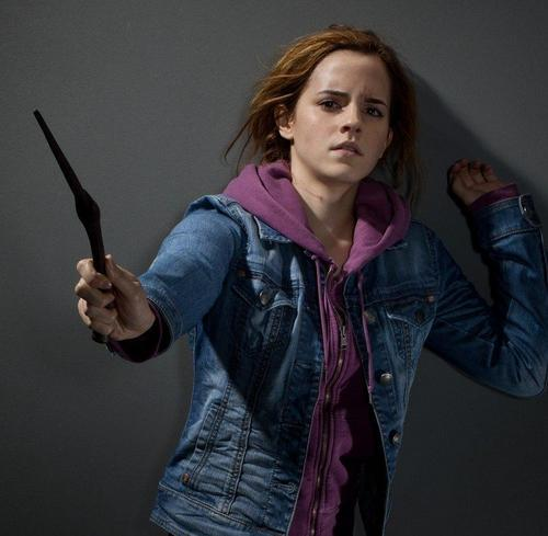 Hermione with Bella's wand