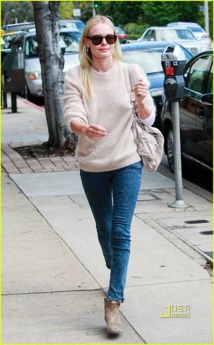 Kate Bosworth: Art Class in Pacific Palisades!