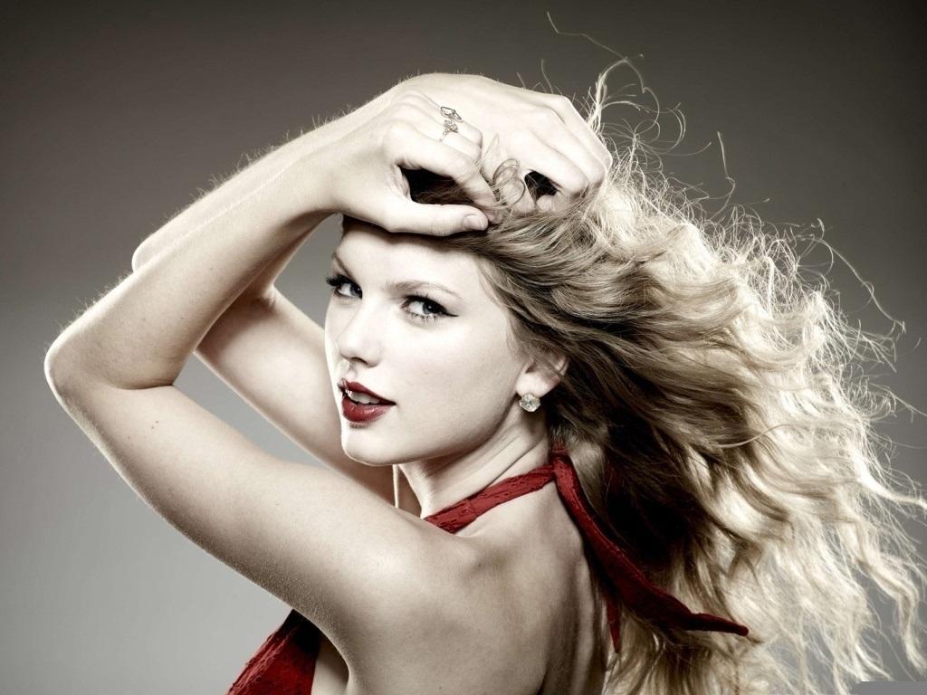 Lovely-Taylor-Wallpaper-taylor-swift-22137566-1024-768.jpg