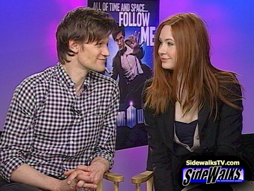 Matt Smith & Karen Gillan wallpaper possibly containing a well dressed person, a business suit, and an outerwear titled Matt Smith & Karen Gillan
