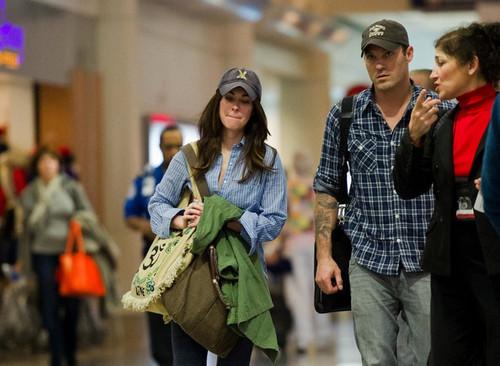 Megan لومڑی & Brian Austin Green: LAX Liftoff
