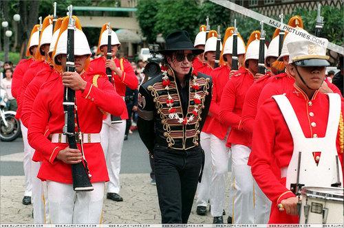 Michael Jackson ( Hawaii) <3 [=