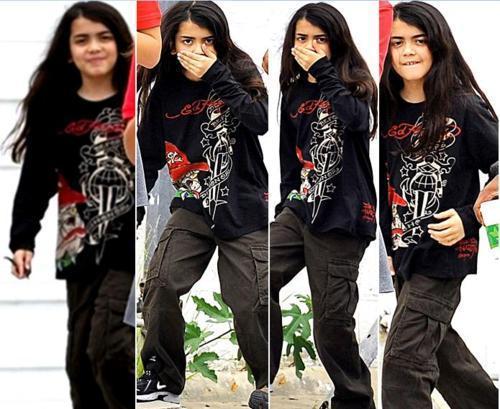 Michael Jackson's son Blanket