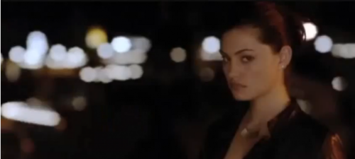 Phoebe Tonkin 照片 shoot at CW