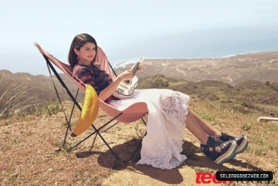 Selena Gomez Teen Vogue Photoshoot!