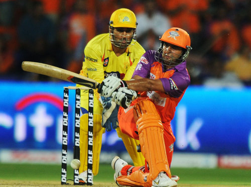 Super Kings locks on Kochi Tuskers in 巢穴, den, 书房