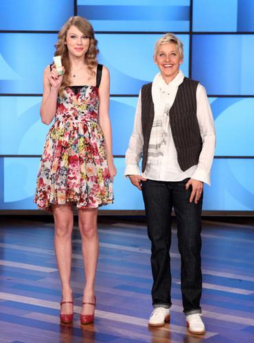 Taylor on Ellen 10.05.11