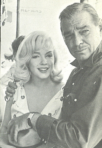 Classic Movies wallpaper with a green beret called marilyn monroe and clark gable