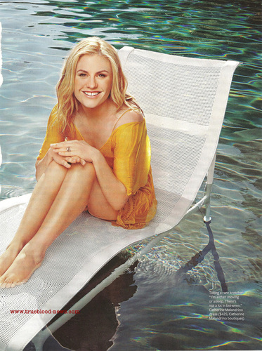Anna Paquin wallpaper with a hot tub called Anna in Health HQ