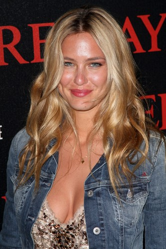 Bar Refaeli -> Cannes