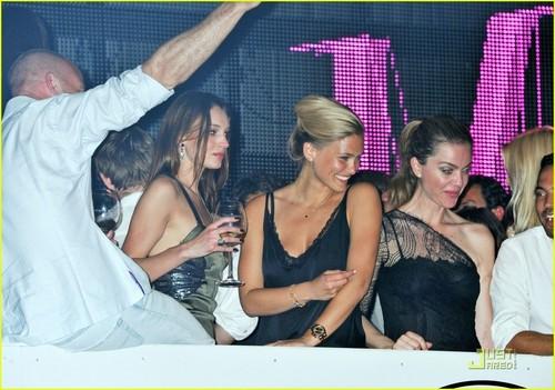 Bar Refaeli: VIP in Cannes!