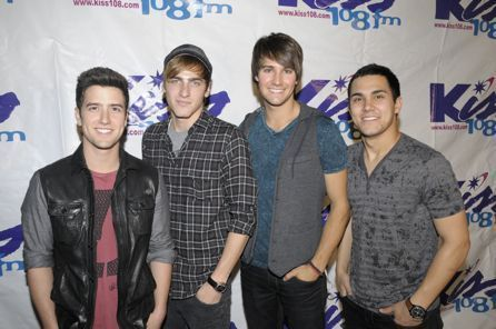 Big Time Rush rocks Kiss 108's Kiss buổi hòa nhạc in Boston