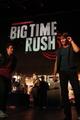 Big Time Rush rocks ciuman 108's ciuman konser in Boston
