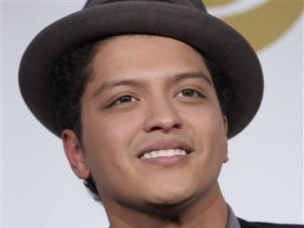 Bruno Mars HOITEE<3