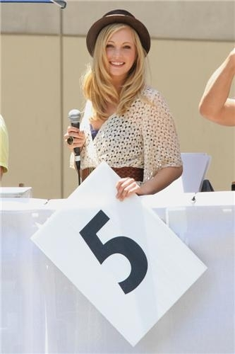 Candice Judging the 2011 Red бык Soapbox Race in L.A! [5/21/2011]
