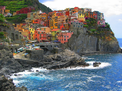Italy Hintergrund probably containing a cliff called Cinque Terre