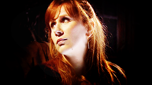 Donna Noble 바탕화면 possibly with a 음악회, 콘서트 and a portrait entitled Donna