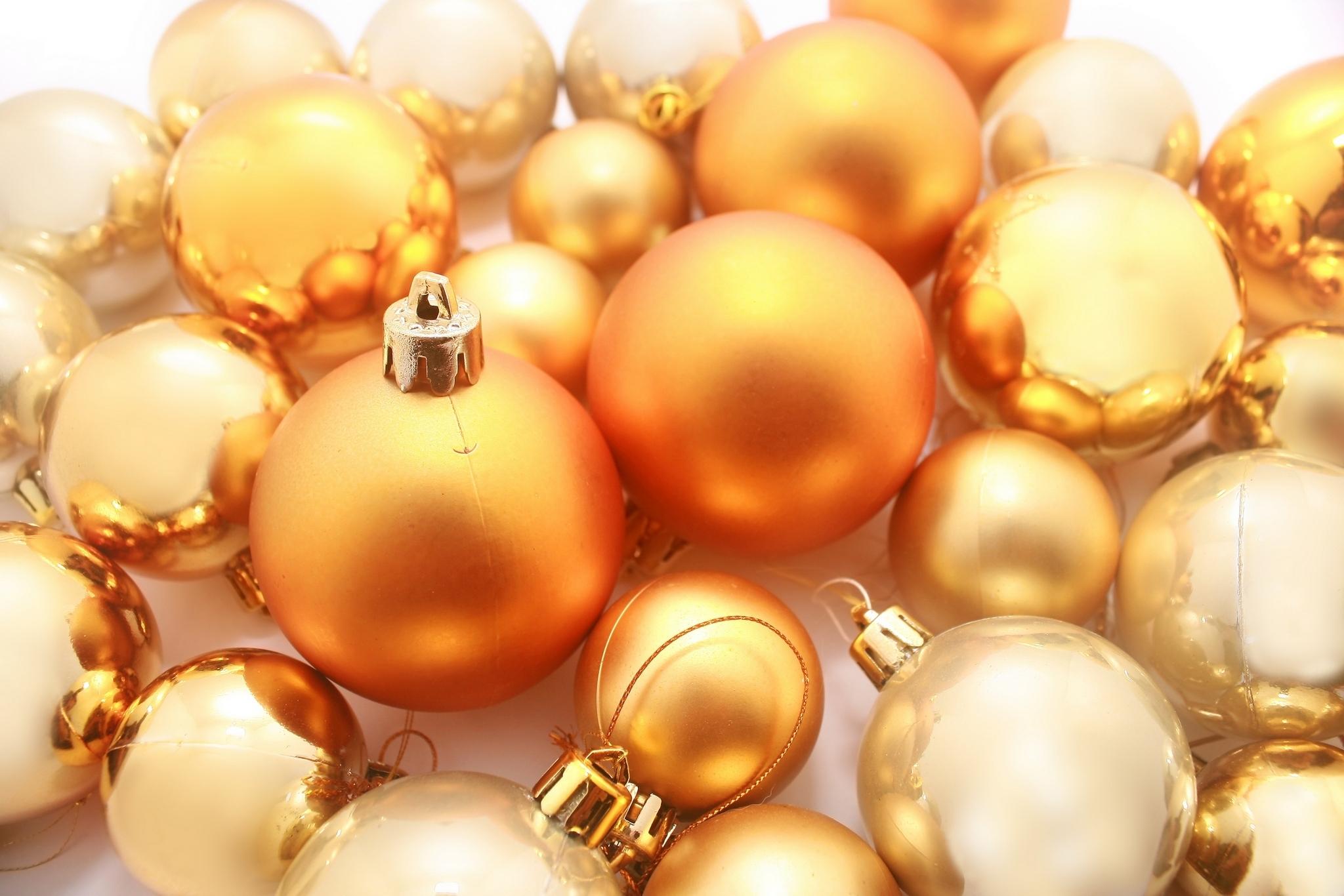 Golden Natale decorations
