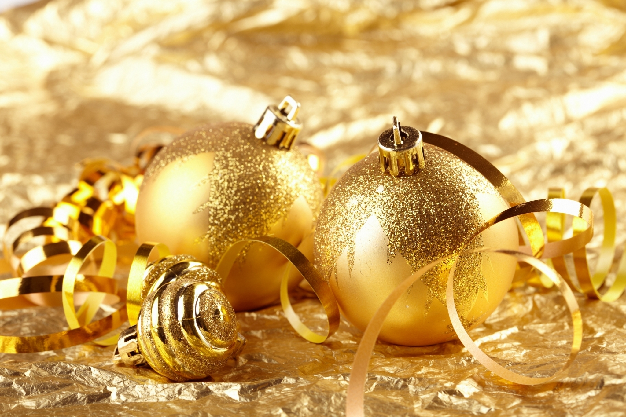 christmas images golden christmas decorations hd wallpaper and background photos