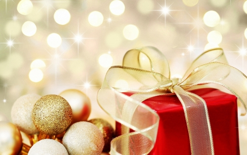 Christmas wallpaper entitled Golden Christmas ornaments