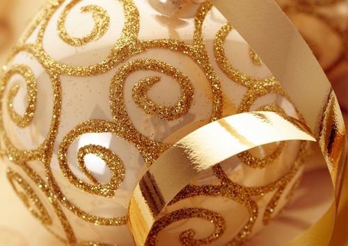 Golden বড়দিন ornaments