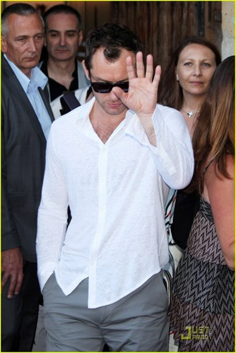 Jude Law: Cannes Lunch with Robert De Niro!