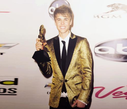 Justin Bieber- Billboard Музыка Awards 2011
