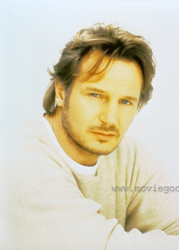 Liam Neeson wallpaper with a portrait titled Liam Neeson
