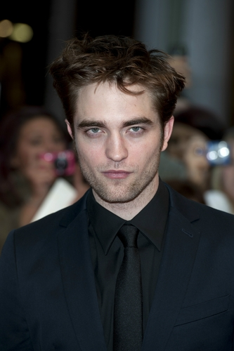 New pics from WFE premiere in लंडन