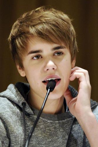Oh my gosh, I 愛 him, Isn't he perfect !? <33
