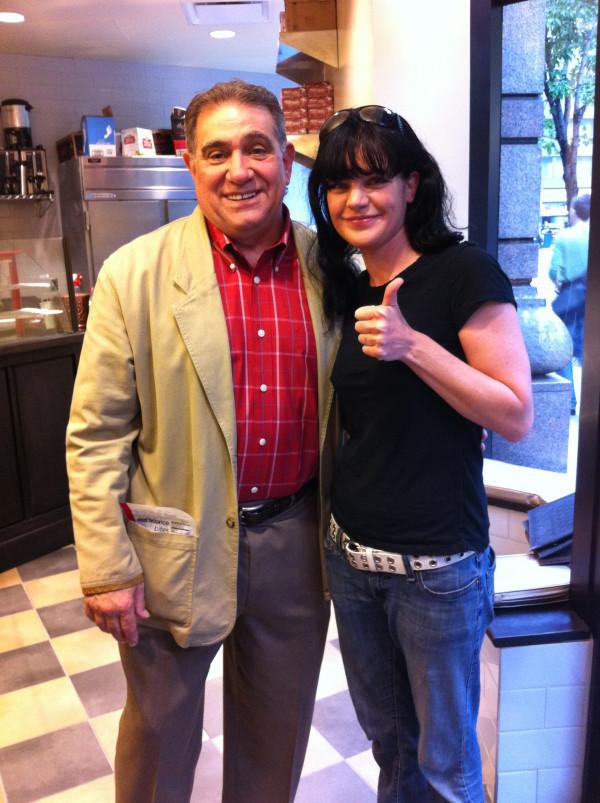 Pauley @ Donna Bell's Bake toko