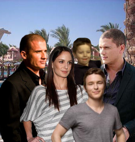 Michael and Sara wallpaper possibly with a street, a business suit, and a leisure wear called Prison Break - Finale - Happy End