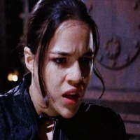 Resident Evil 2002 Michelle Rodriguez Icon 22253716 Fanpop